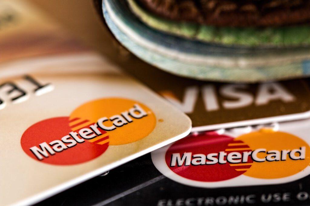 Kostenlose Kreditkarte – flexibel bezahlen und Geld sparen